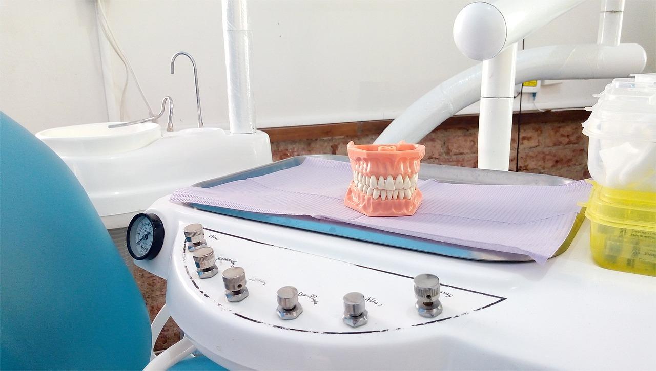 Soluciones para falta de piezas dentales prótesis